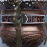 Лампада церковная, украшенная полихромными эмалями.
