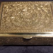 Старинный серебряный ларец с изысканной гравировкой. Персия. XIX век. Материал: серебро
