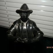 Дед рыбак. Чугун. 1971 г.