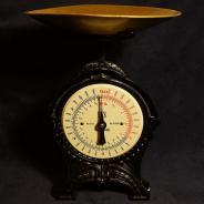 Весы кухонные антикварные фирмы «EKS» в стиле Модерн, Швеция, кон. XIX – нач. ХХ века.