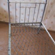 Старинная металлическая кровать