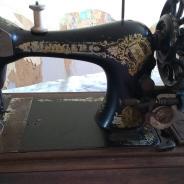 Швейная машина(рабочая)