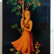 Картина девушки возле дерева