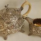 Чайник и сливочник