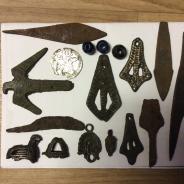 Медальон, узоры, наконечники, бусины.
