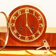 Французские каминные часы в деревянном корпусе VEDETTE