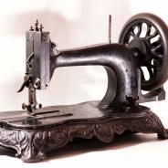 Антикварная чугунная красивая немецкая швейная машина Frister & Rossmann Saxonia Type