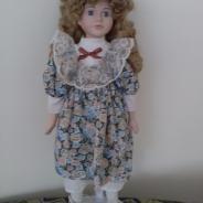 Кукла фарфоровая, Англия
