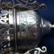 Изящная старинная лампада с оригинальной цепью из серебра