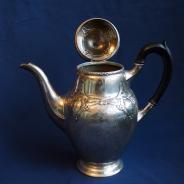 Старинный чайный набор из серебра