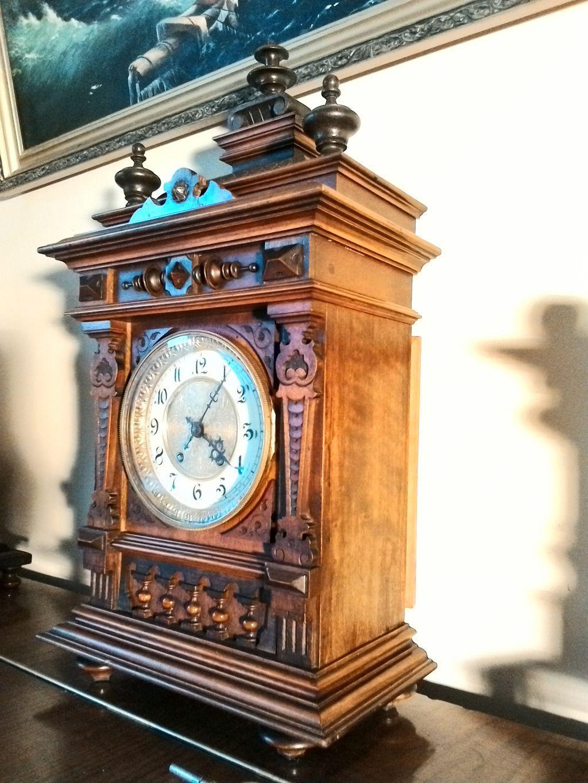 Часы находятся в хорошем историческом и коллекционном состоянии сохранности.