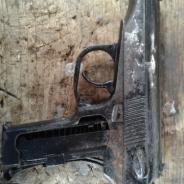 старый пистолет